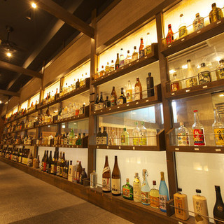 美味しい食と美味しい酒を味わっていただきたく、地元は勿論全国から焼酎、日本酒を集めております。