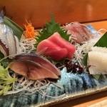 23048915 - 地の魚(2,000円)※メジマグロ、さより、やりいか、しめ鯖、ぶりの稚魚