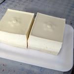 井上とうふ店 - 料理写真:木綿豆腐です