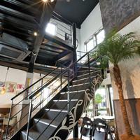 CARI cafe - 2階席にあがる階段