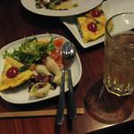 イタリア食堂ワインバル クローバー - 2010年2月14日(日) 年下の幹事に呼んでもらった東京転勤が決まった旦那さんと、私の知り合いの新婦の二次会