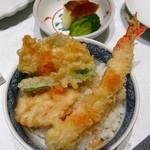 木曽路 徳川店 - 天ぷらを御飯にのっけて天丼に。