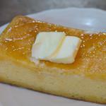 ハナ・シュンプウ - 東京フレンチトーストケーキの断面