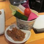こくりこ - 野菜スティック 自家製鳥肉味噌