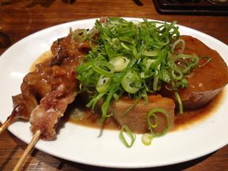 六傳屋 先斗町店 - 土手やき(牛すじ、豚ばら、角煮、大根、たまご)