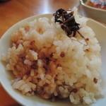 栃の実 - 雑穀米と玄米のハーフ&ハーフ