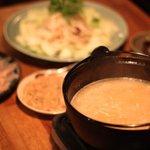 燻製と地ビール 和知 - 知覧地鶏と野菜をじっくりと煮込んだ白濁コラーゲンスープベースの鍋です 鶏しゃぶ&ねぎしゃぶが楽しい人気メニュー 要予約です