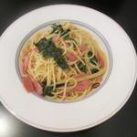 ミストリーベロ - おいしい菜とベーコンの白ワインソース