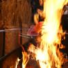 Gyouzabiyoriwaranechigowarayakiya - 料理写真:越後の稲わらを使い、800度にもなる炎で一気に炙る「越後のわらやき」は絶品!!