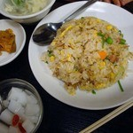 中国料理 東北風味 東北餃子房 - 相方は五目炒飯セット(650円)。ボリューム満点や
