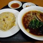 中国料理 東北風味 東北餃子房 - ラーメンと炒飯セット580円