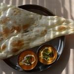 シェルパ - ランチルンビニセット(左からダル、野菜)