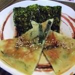 世宗 - 料理写真:チジミ・韓国のり 具はないけど美味しい