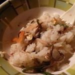 ひつじや肉店 - ひつじや肉店@秩父 ビビンバをご飯に混ぜた 2013年8月
