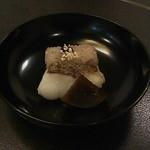 23079018 - 赤飯、鯛の焼いたん、奈良漬