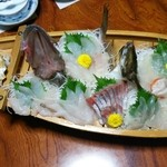 山村 - 舟盛り(馬頭鯛、ハマチ、貝柱、鮃)