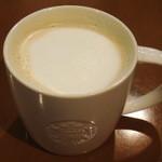 スターバックスコーヒー - ラテ・トールサイズはミルクたっぷり!