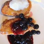 エルバージュ - 人気のフレンチトースト♪ブルーベリージャムが美味しかったです