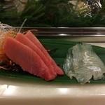 横浜のすし勘 - 中トロ、平目の刺身