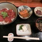 武や - 料理写真:日替わり定食(マグロ丼)