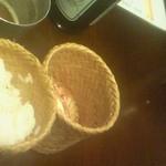 23082228 - [2013.12]もち米「カオニャオ」。ラープガイなどと一緒に食べると凄くいい
