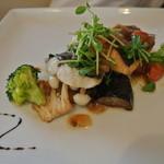 23085675 - 鮮魚のポワレ トマトとケッパーのバルサミコオリーブオイルソース