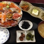 みゆきちゃん定食 - スペシャル海鮮丼定食1000円