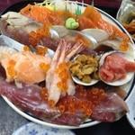 みゆきちゃん定食 - 海鮮丼のアップ
