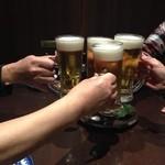 23088076 - ビールで乾杯!