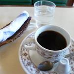 ユタカ - ドリンク写真:2013.12 コーヒーは1杯1杯淹れてくれました♪