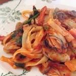クッカーニャ - 牡蠣とベーコンのトマトソース