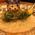 銀座うかい亭 - 前菜のお刺身。これ最高の味でした。