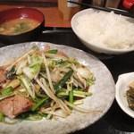 たんびに亭 - 日替り中華定食(ニラレバ炒め)(13.12)