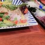 Sakanaichiba - ◆刺身三種盛り合わせ             ◆びんちょうまぐろのダブル大根サラダ