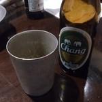 23099688 - ・チャーン、グラスに氷入りのタイ仕様