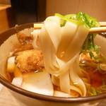 大須きしめん - 2013.12 麺リフト、きしめんは腰とかは無い麺です:笑