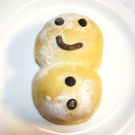 23104515 - 雪だるまパン 168円