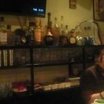 Purasaderusoru - 店員さんからもお客さんからもスペイン語が飛び交う店内。メキシコの雰囲気最高です
