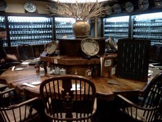 かつ吉 水道橋店 - 私が案内された大テーブル