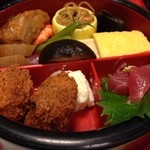 季節料理 中西 - 二段弁当(一段目)