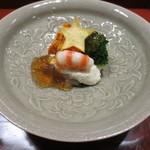天雅 - 先付です。車海老に釧路のウニなどが。チーズを加えたカリフラワーソースが絶妙です。☆は鳴門金時です。