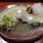 天雅 - お造りです。マグロの漬けには淡醤油。平目には海のヌーヴェ。炙り金目は白菜と和えられて。