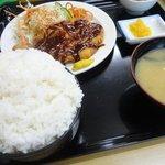 次郎長寿司 - 定食ご飯大盛りは600円