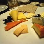 23111975 - チーズ盛合せ