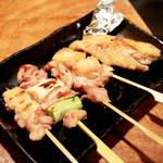 鶏家 たちばな - 比内地鶏の串焼き五種 (1000円) '13 11月下旬