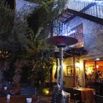 カフェ ラ・ボエム - やはり皆様〜店内でございます