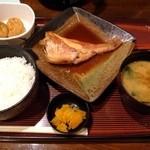 居酒屋 太郎さん - 煮魚定食(赤魚)