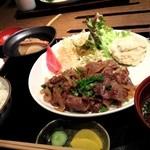 レストラン春日苑 - 焼肉定食