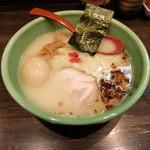 麺匠 むさし坊 - 細麺 煮玉子入りラーメン780円