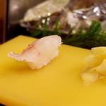 大観寿し - 鯛の昆布〆